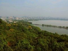 Photo taken on Sept. 18, 2010 shows a view of the West Lake with the Baochu Pagoda standing on the left side, in Hangzhou, capital of east China's Zhejiang Province.