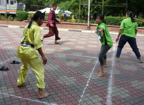Traditional games played by Malaysian children during the ...