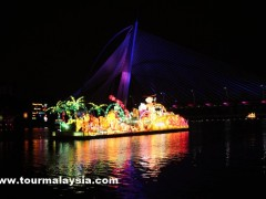 1Malaysia International Tourism Night Floral Parade 2012 PIC11