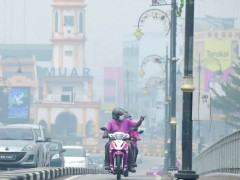 muar enveloped by Haze